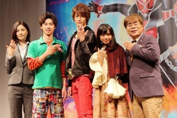 会見に出席した高山侑子、戸塚純貴、白石隼也、奥仲麻琴、小倉久寛(写真左から)