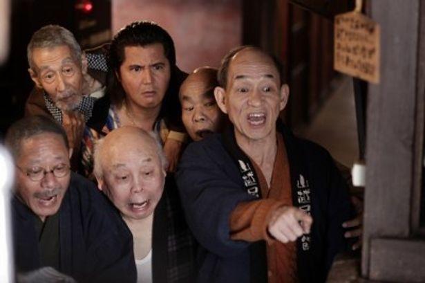 現代の日本に生きる、平たい顔族(=日本人)