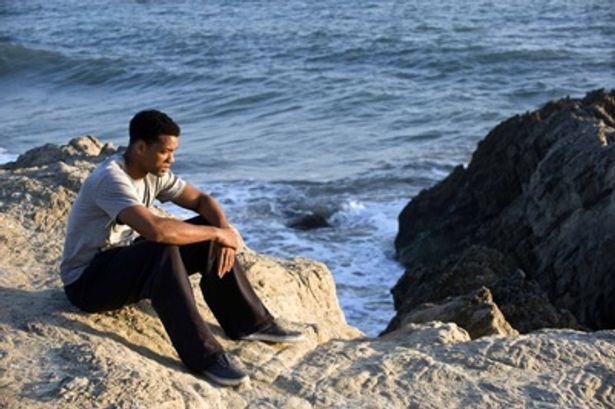 ベン・トーマスは過去のある事件によって心に傷を抱えながら生きている