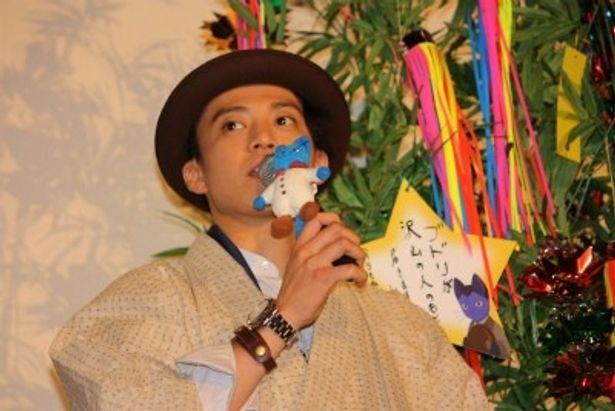 小栗旬が『グスコーブドリの伝記』舞台挨拶で月9主演ドラマもアピール