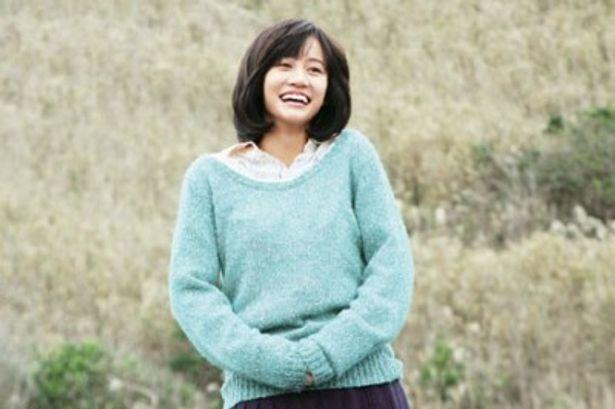 21歳の誕生日を迎えた前田敦子。『苦役列車』の彼女は本人の素朴な魅力が伝わってくる好演ぶり