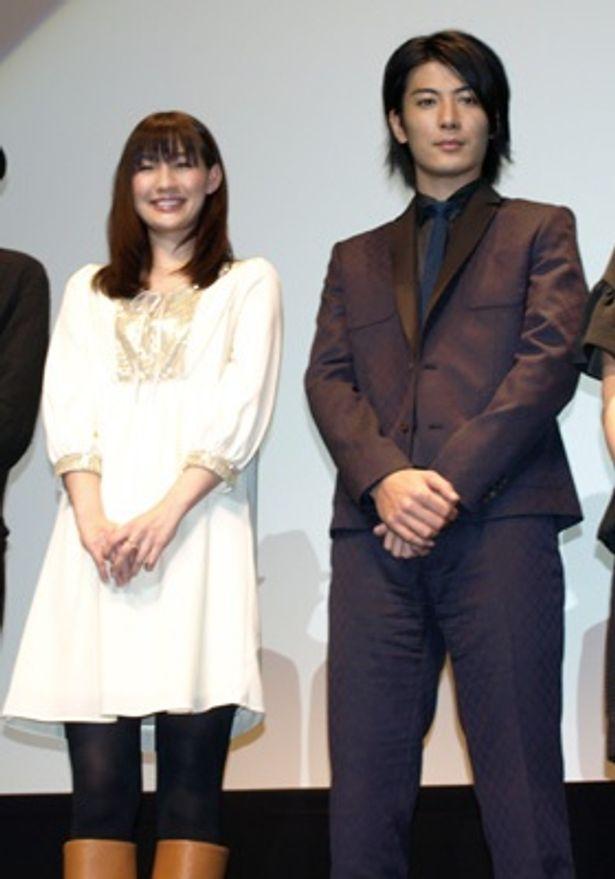 大阪のなんばパークスシネマの舞台挨拶に登壇