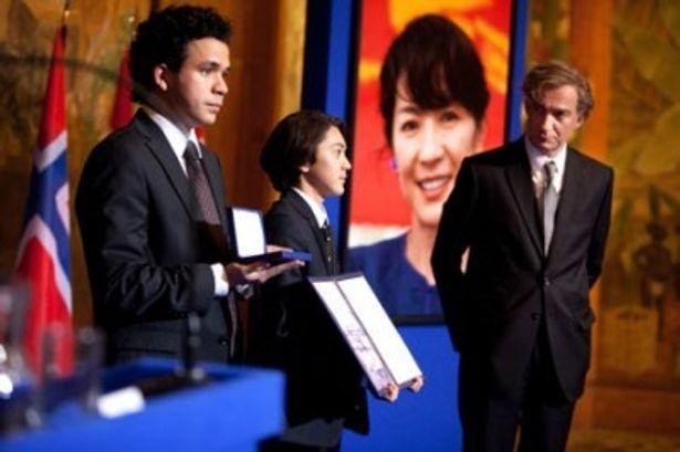 ノーベル平和賞の授賞式には夫と2人の息子が出席した