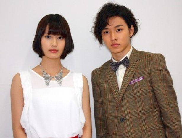 『アナザー Another』で共演した山崎賢人と橋本愛