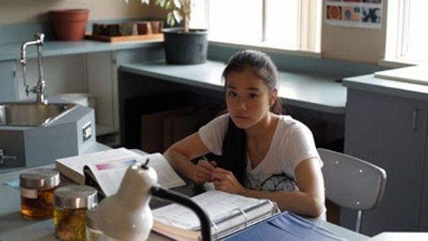 自殺願望のある留学生をどのように演じるのか?