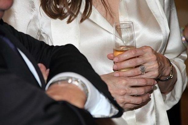 元夫ブラッド・ピットがアンジェリーナ・ジョリーに贈った婚約指輪も意識した?