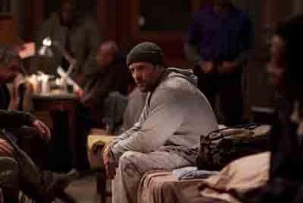 これがホームレス姿のジェイソン・ステイサム!