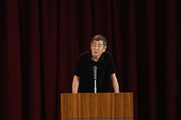 『あなたへ』ロケを行った富山刑務所へ表敬訪問を行った高倉健