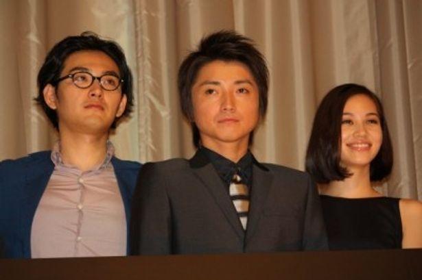 『I'M FLASH!』の初日舞台挨拶に出席した藤原竜也、松田龍平、水原希子たち