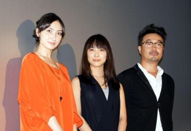 舞台あいさつに登壇した三木康一郎監督、谷村美月と特別ゲストの香椎由宇(写真右から)