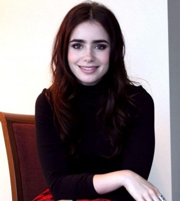 新時代の白雪姫を演じたリリー・コリンズにインタビュー