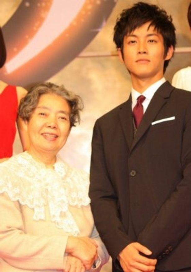『ツナグ』の完成披露記者会見に登壇した松坂桃李と樹木希林