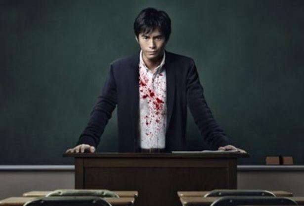 表向きは優しい先生、その裏の顔は殺人者