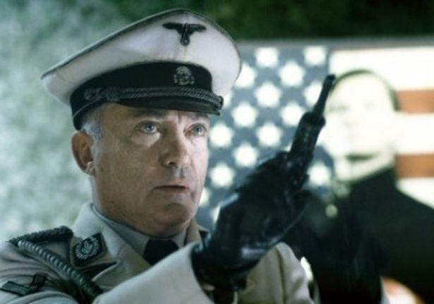 月面ナチスの総統を演じたウド・キア