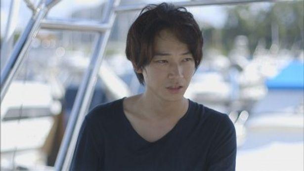 綾野剛への初の密着ドキュメントの放送が決定! 写真家・藤原新也氏を訪ねる