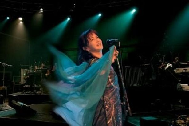 歌手生活37周年を迎える中島みゆきのライブが高画質・高音質で楽しめる