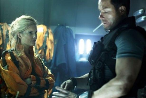 人質となる大統領の娘エミリーを演じるマギー・グレイス