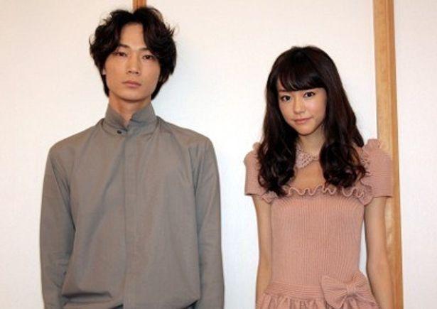 『新しい靴を買わなくちゃ』で共演した桐谷美玲と綾野剛