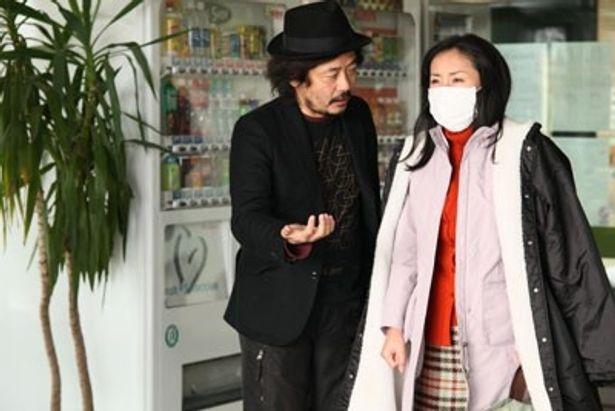 『希望の国』の園子温監督と妻で女優の神楽坂恵