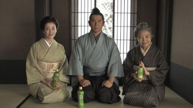 親子役を演じる宮沢りえ、本木雅弘、樹木希林(写真左から)
