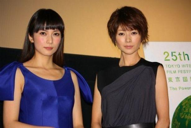 『すーちゃん まいちゃん さわ子さん』舞台挨拶に登壇した柴咲コウと真木よう子