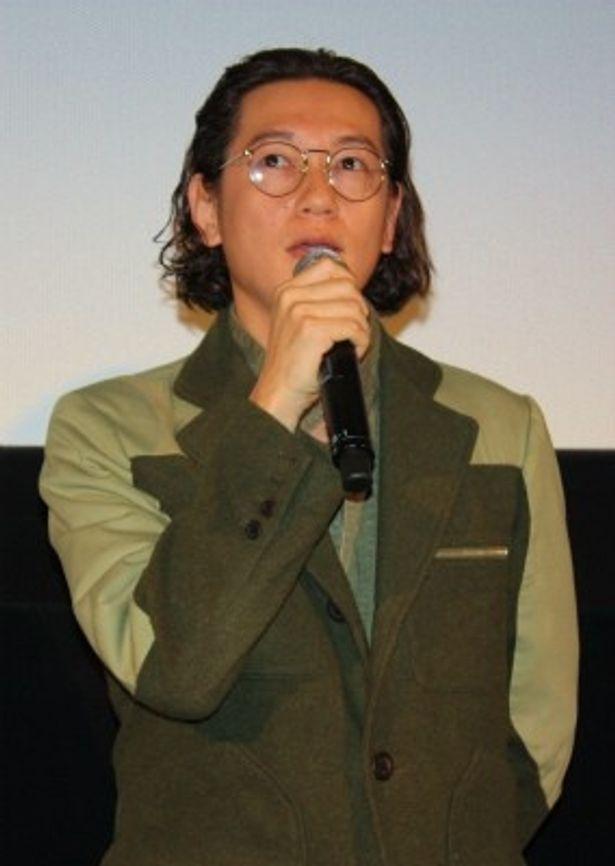若松孝二監督に追悼の意を述べた井浦新