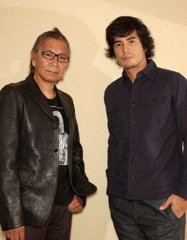 『悪の教典』でタッグを組んだ主演の伊藤英明と三池崇史監督