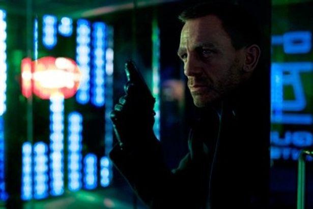 公開一週間の興収がイギリス国内歴代最高記録を樹立した『007 スカイフォール』