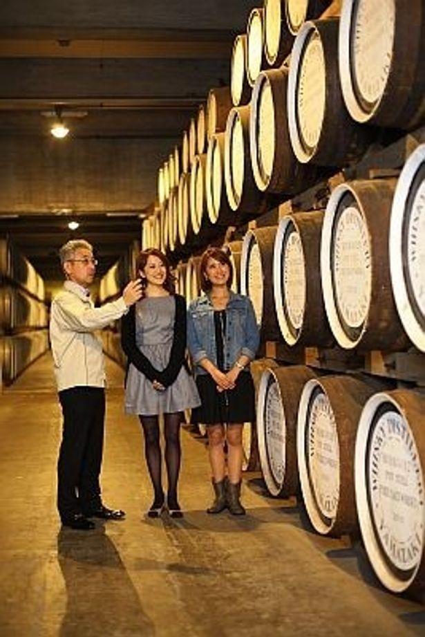 ウイスキーの魅力を探す!右から、西野さん、小出さん、サントリーチーフブレンダーの福與さん