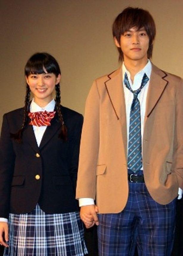 完成披露試写会に武井咲と松坂桃李が出席