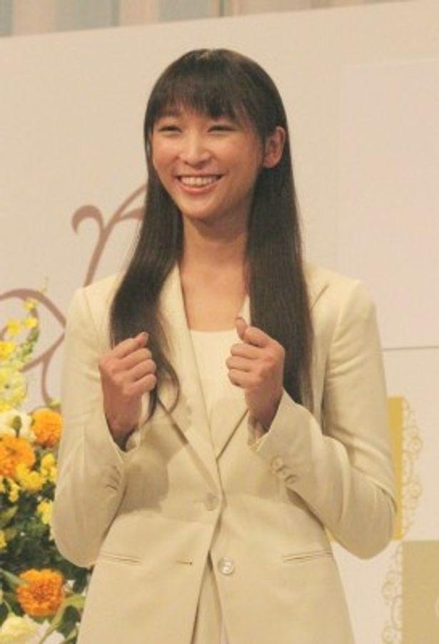 平成25年度後期連続テレビ小説「ごちそうさん」のヒロインに決まった杏は、「全国に食を通して喜びを届けたい」とコメント
