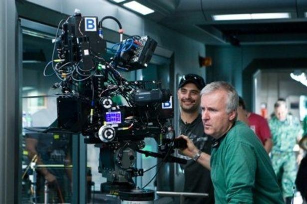 【写真を見る】3D映画の先駆者ジェームズ・キャメロンが大絶賛!
