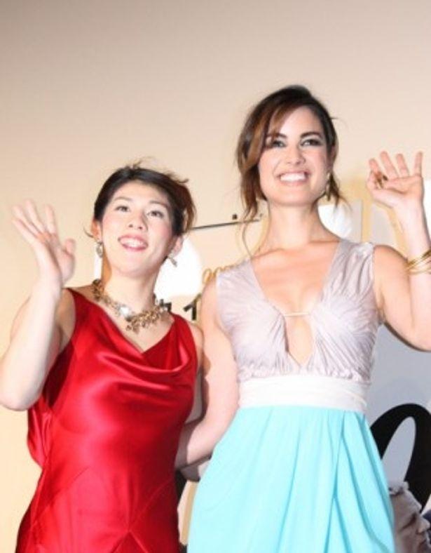 美しいドレス姿で会場を湧かせたベレニス・マーロウと吉田沙保里