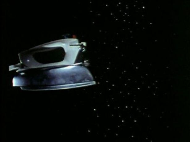 こんなアイロン、ではなく宇宙船が宇宙を飛び回る!