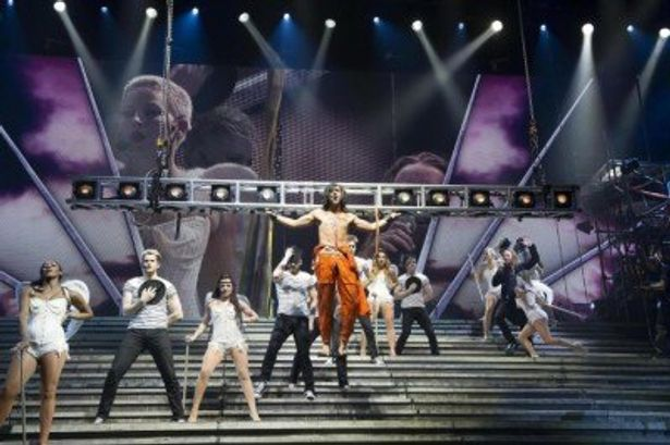 ロックオペラ「ジーザス・クライスト=スーパースター」の21世紀版の公演を映像化