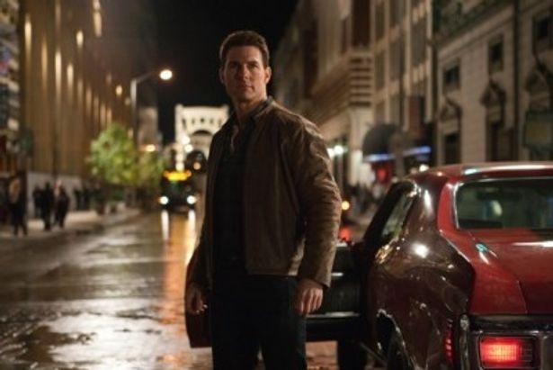 元米軍の秘密捜査官で、流れ者の主人公ジャック・リーチャーを演じるトム・クルーズ