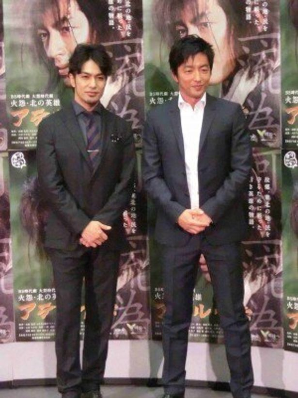 「火怨・北の英雄 アテルイ伝」に出演する大沢たかお、北村一輝(右から)