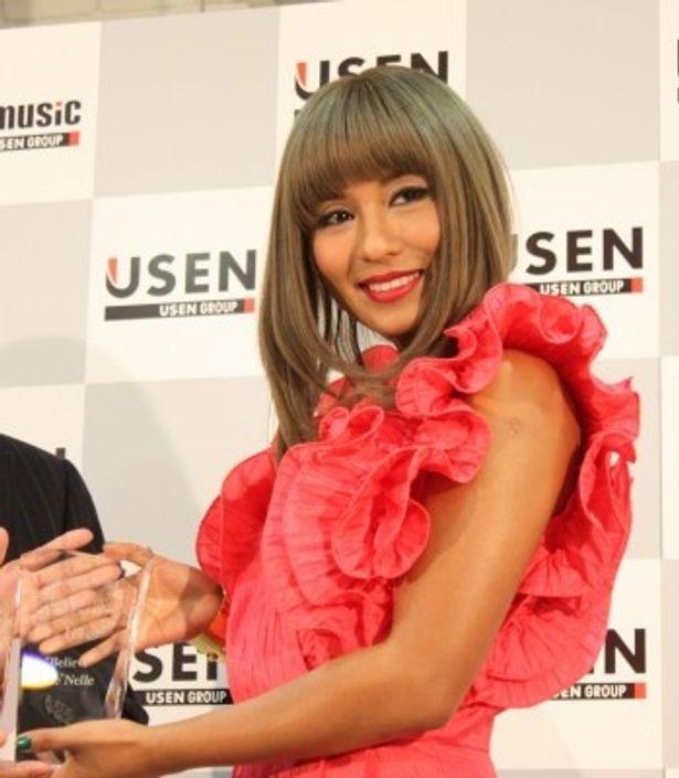 2012年の年間USEN J-POP総合ランキング1位は『海猿』の主題歌で、洋楽歌手シェネルが獲得