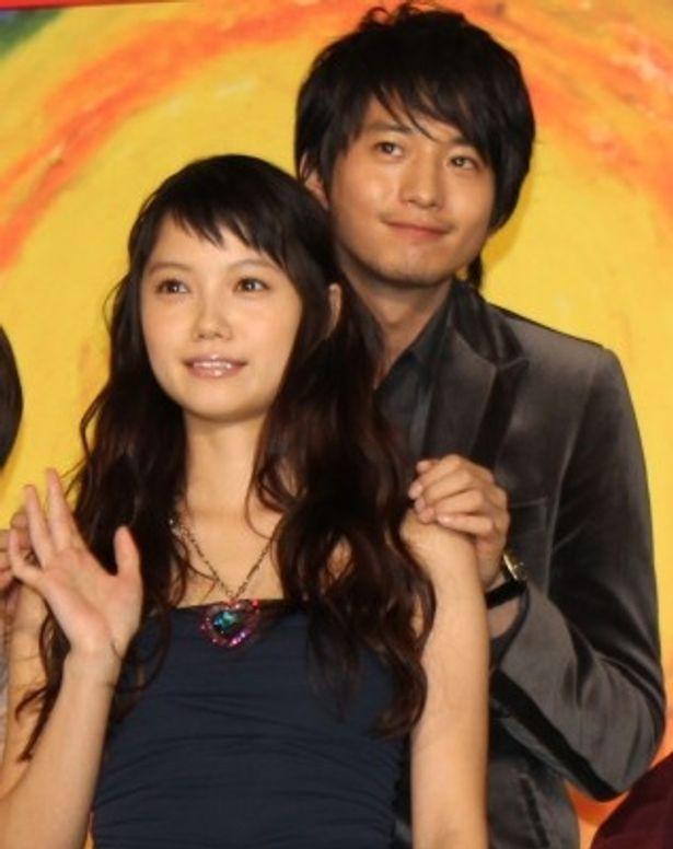 宮崎あおいと向井理が夫婦役で初共演!舞台挨拶に登壇した