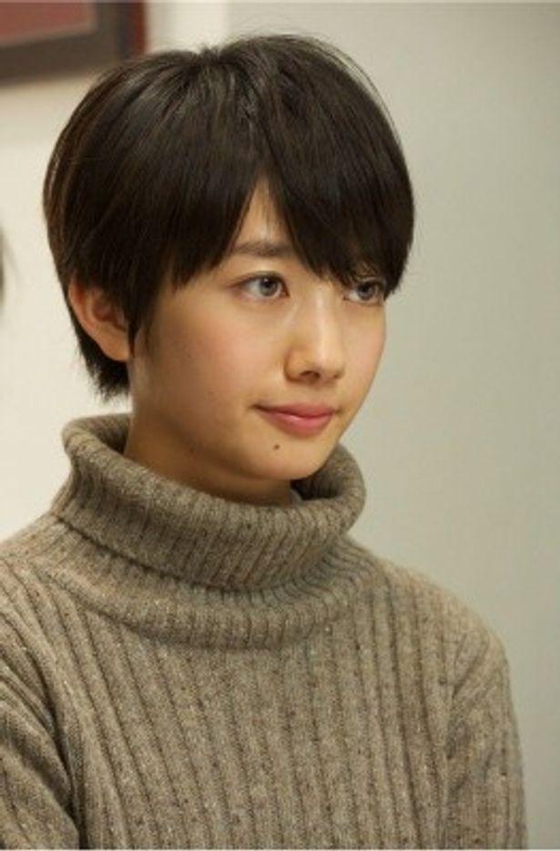 「相棒 元日SP」の事件の鍵を握る茜を演じるのは、人気non-noモデル・波瑠