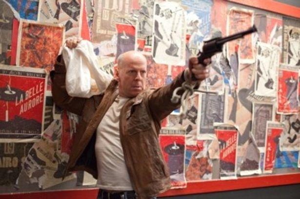 30年後のジョーを演じるのはブルース・ウィリス
