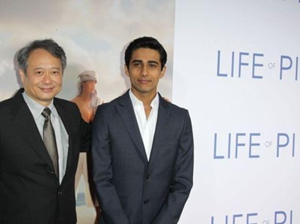 【写真を見る】第85回アカデミー監督賞にノミネートされているアン・リー監督(左)