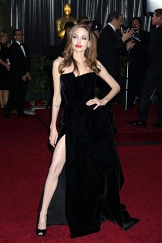 アンジェリーナ・ジョリーがクレオパトラに扮する映画製作が進行中