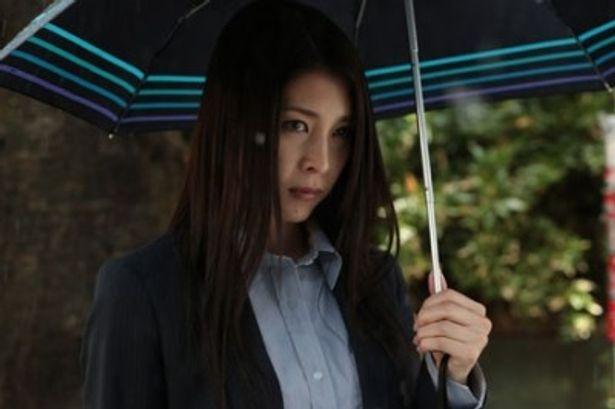 姫川玲子に扮する竹内結子。男社会で奮闘するヒロインも逆から見れば?