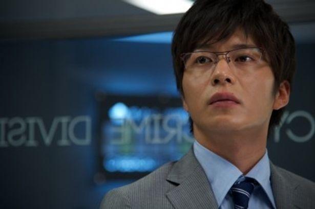 映画「相棒シリーズ XDAY」で主演を務める田中圭が、本編ドラマに登場する