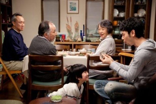 橋爪功、吉行和子、西村雅彦、妻夫木聡ら豪華俳優陣がそろう