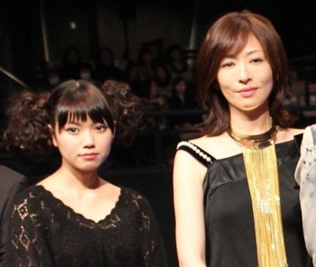 『脳男』完成披露試写会に登壇した松雪泰子、二階堂ふみ