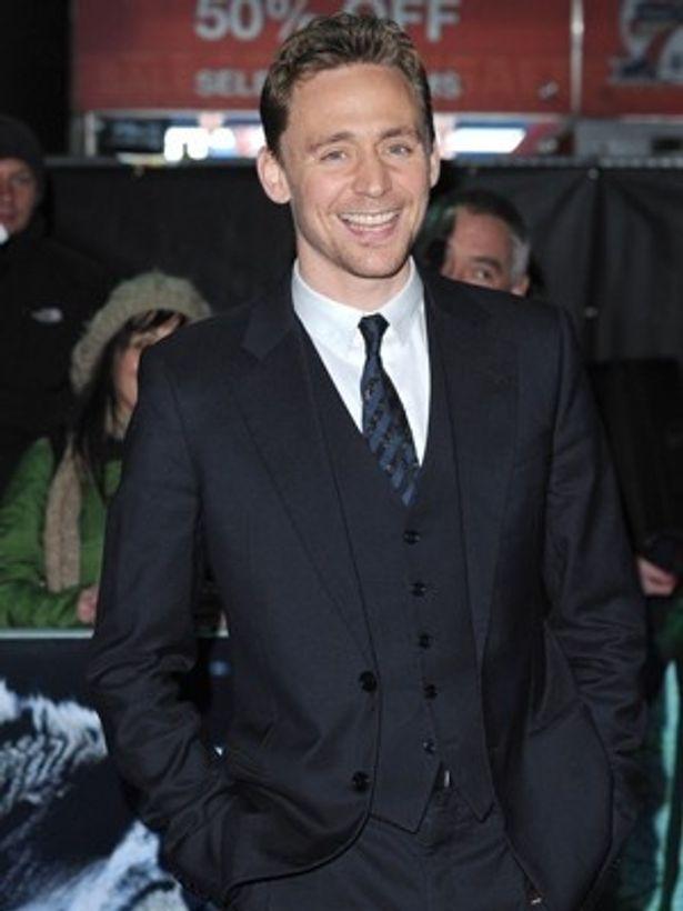 トム・ヒドルストンが世界で最もセクシーな男優に!