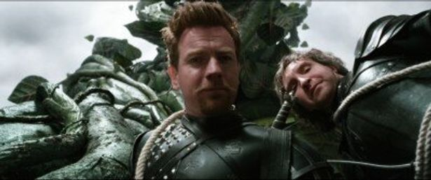 王国に仕える騎士団のエルモントを演じるユアン・マクレガー