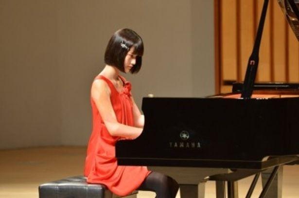 香月遥(橋本愛)がコンクールで弾く「月の光」のピアノ演奏はほぼノーカットだ